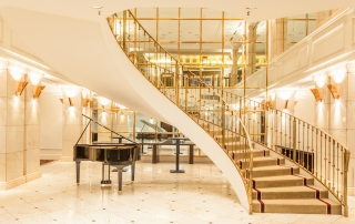 Le-Meridien-Hotel-Stuttgart-Treppenhaus