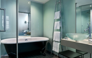 Le Meridien Hotel Wien Guest Bathroom