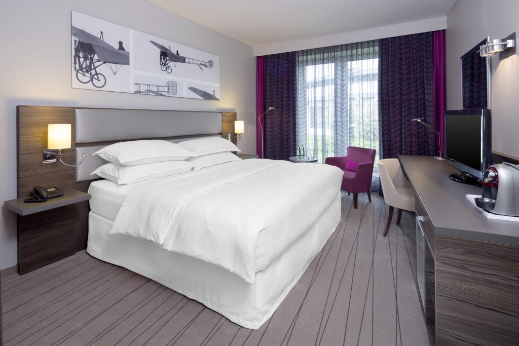 Sheraton Dusseldorf Airport Hotel Direkter Terminal Zugang
