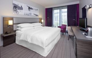Sheraton Hotel Düsseldorf Airport Club Room