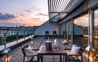 Abendstimmung der Terrassensuite im Le Méridien Hotel Wien